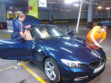Lavado del coche a mano