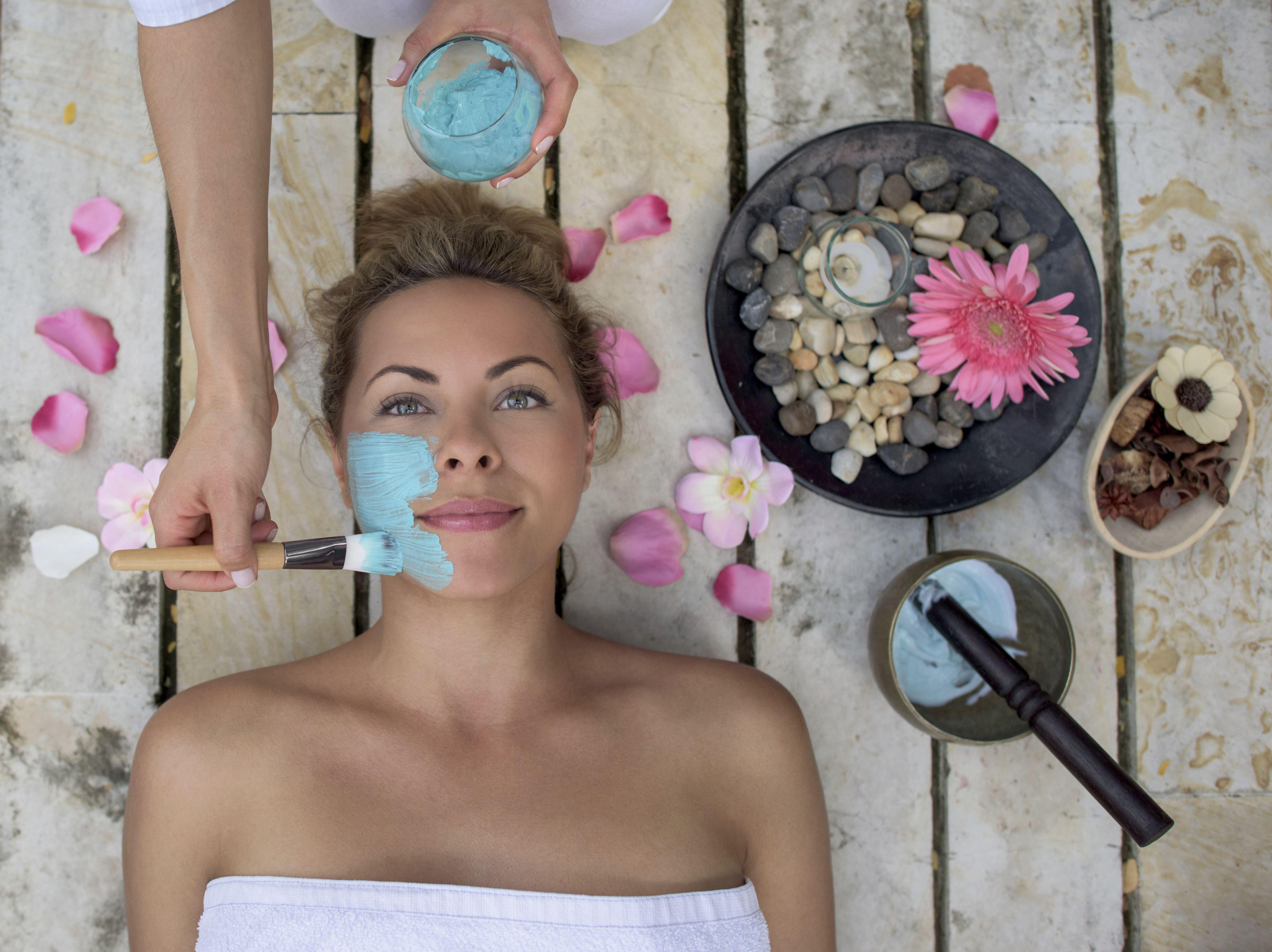 Tratamiento facial / contorno de ojos: Nuestros Servicios de Centro de Belleza Mª Ángeles