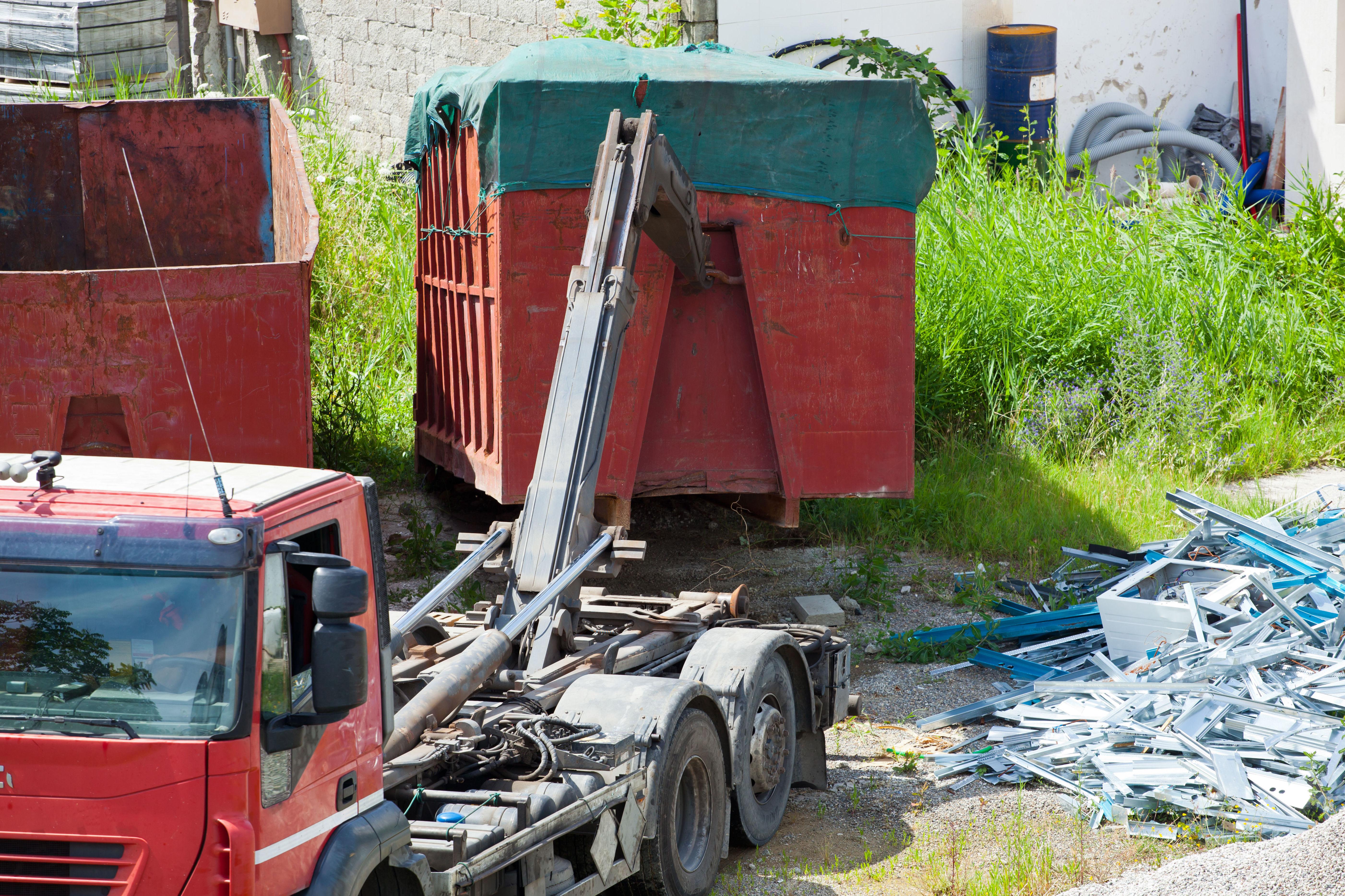 Camiones grúa : Servicios de Materiales de construcción Juan Gómez, S. L.