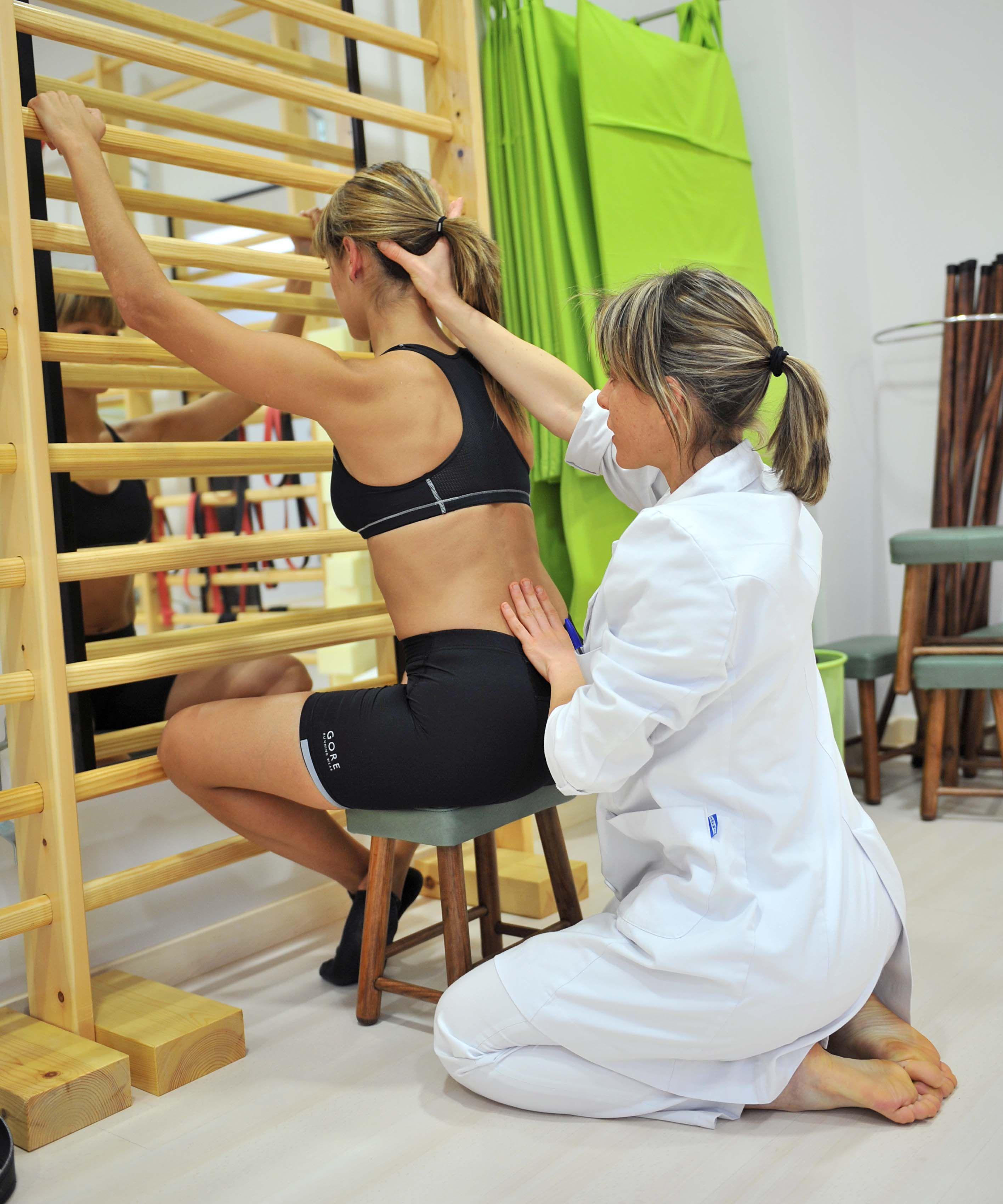 Reeducación postural individual y grupal: Centro de fisioterapia de Innova Fisio