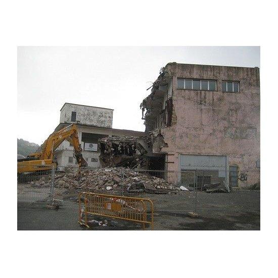 Demoliciones: Servicios de Firmes y Excavaciones de La Mancha S.L