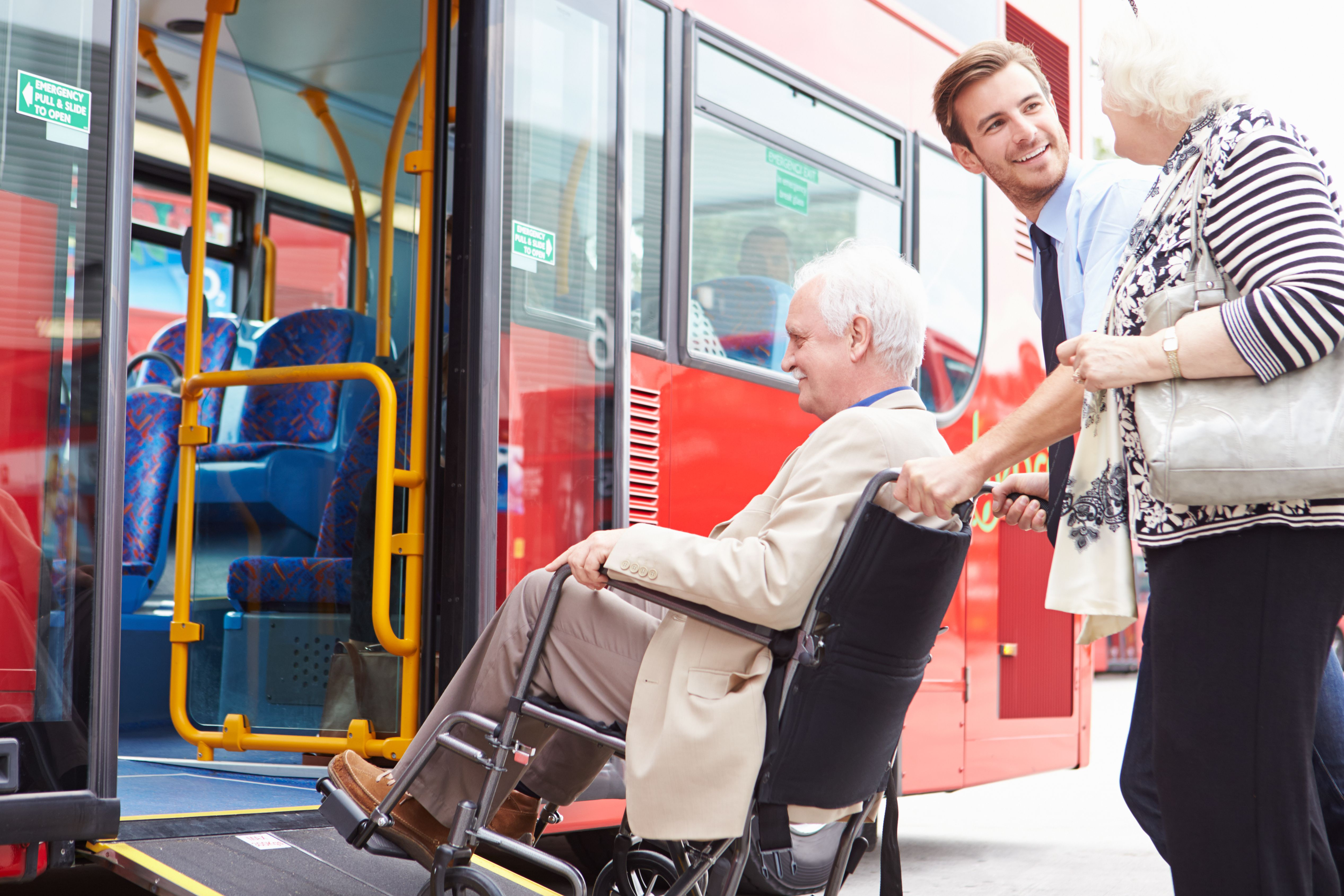 Transporte adaptado: Servicios de Alogar Porriño