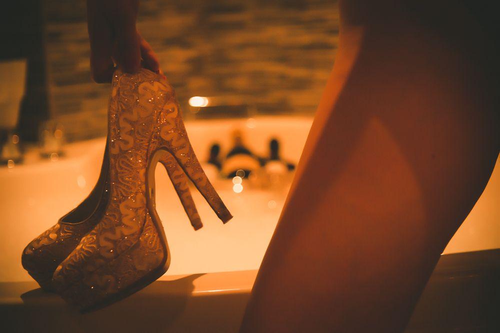 Mía, agente de viajes y masajista erótica