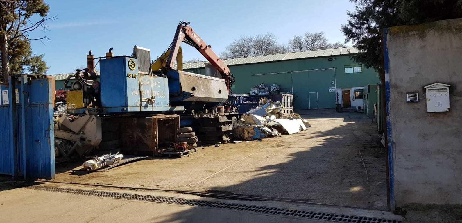Foto 8 de Fabricación de contenedores en Valdeavero   Recuperaciones y Talleres Valdeavero