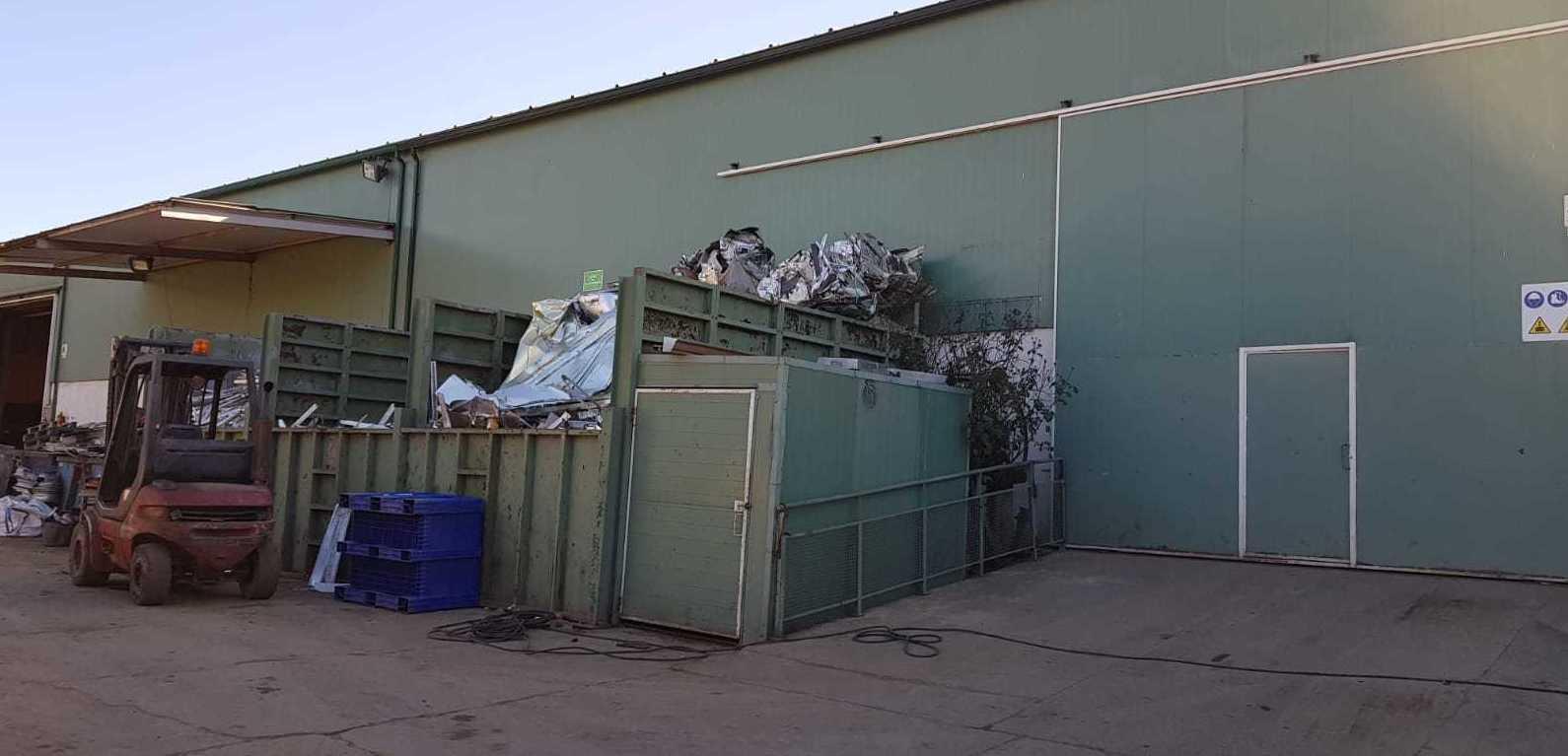 Foto 7 de Fabricación de contenedores en Valdeavero   Recuperaciones y Talleres Valdeavero