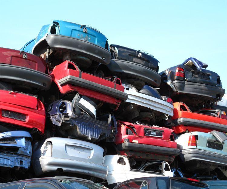 Desguace de vehículos en el tel. 918864738 o 615537805: Servicios de Recuperaciones y Talleres Valdeavero