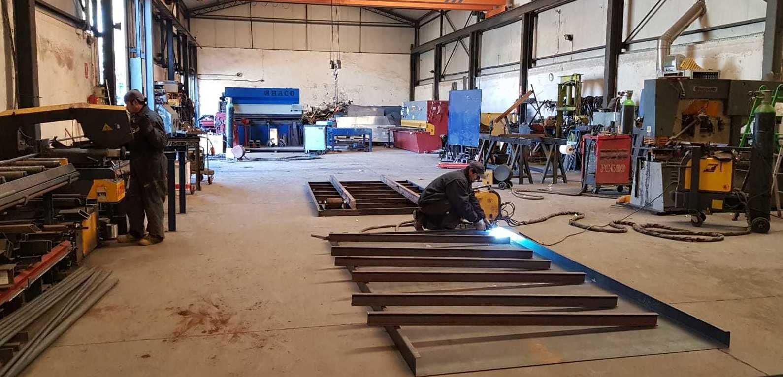 Foto 6 de Fabricación de contenedores en Valdeavero | Recuperaciones y Talleres Valdeavero