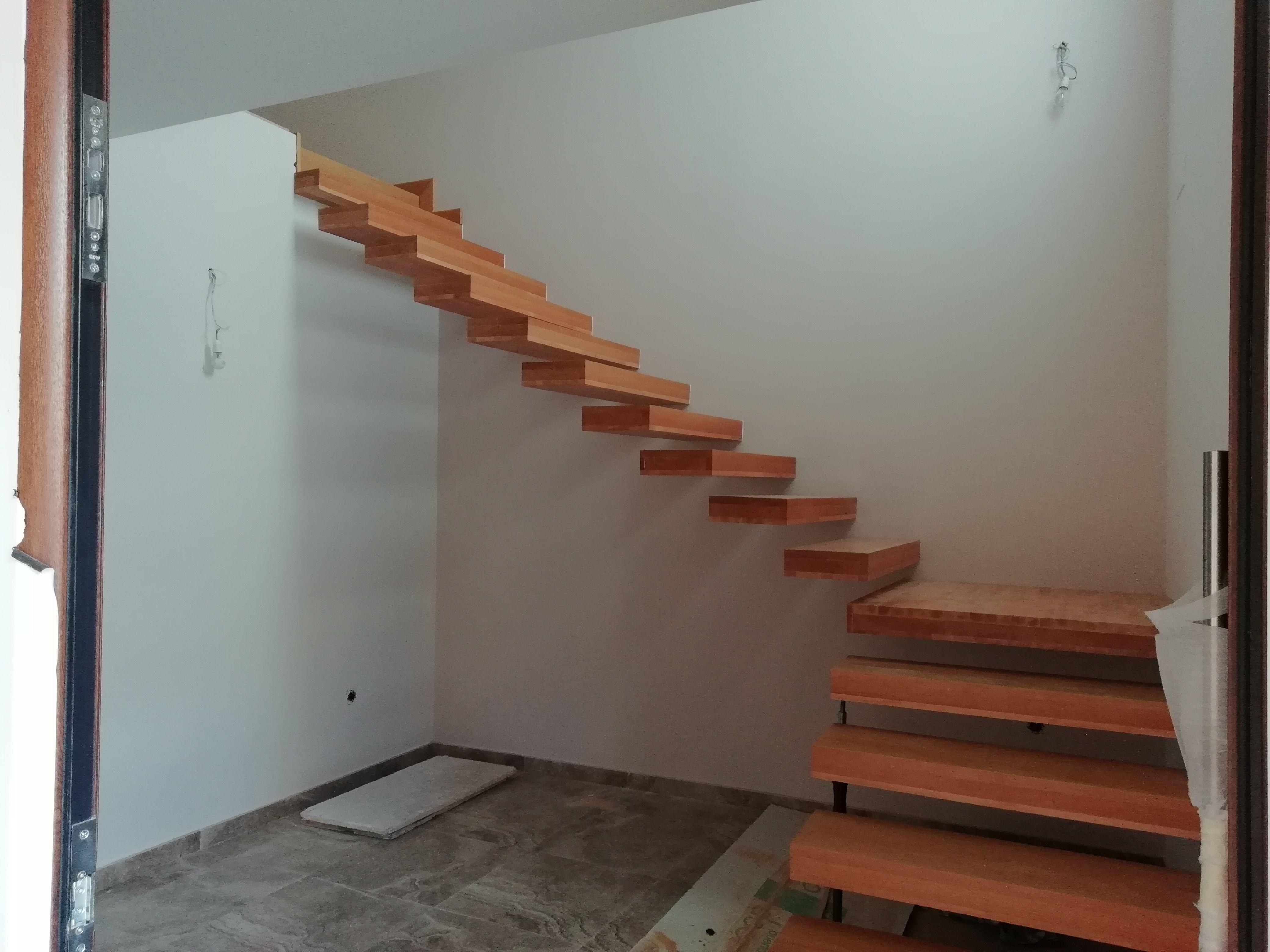 Escaleras de madera en Ciudad Real