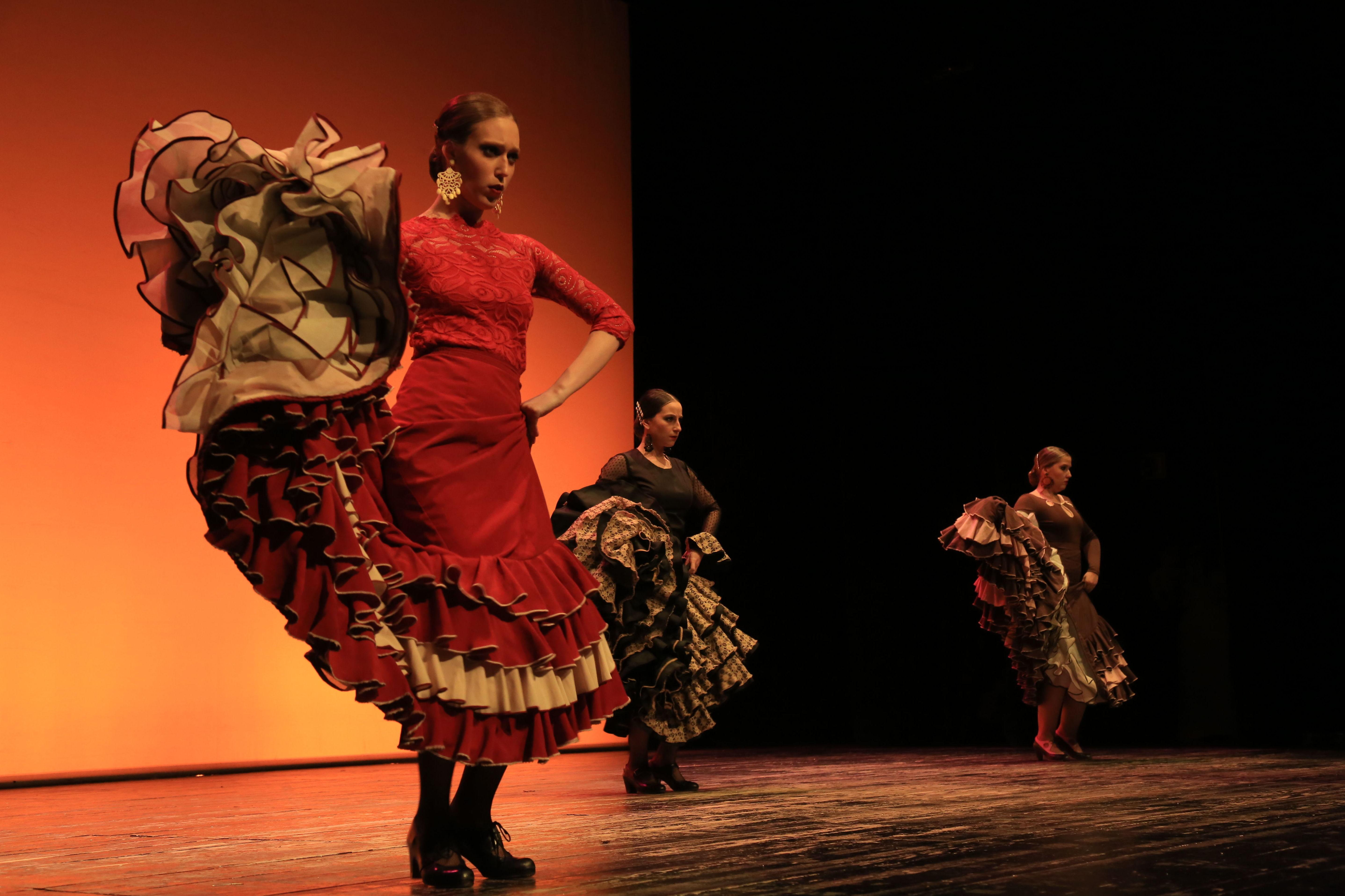 FLAMENCO: CLASES de Escuela de danza Patricia Doménech