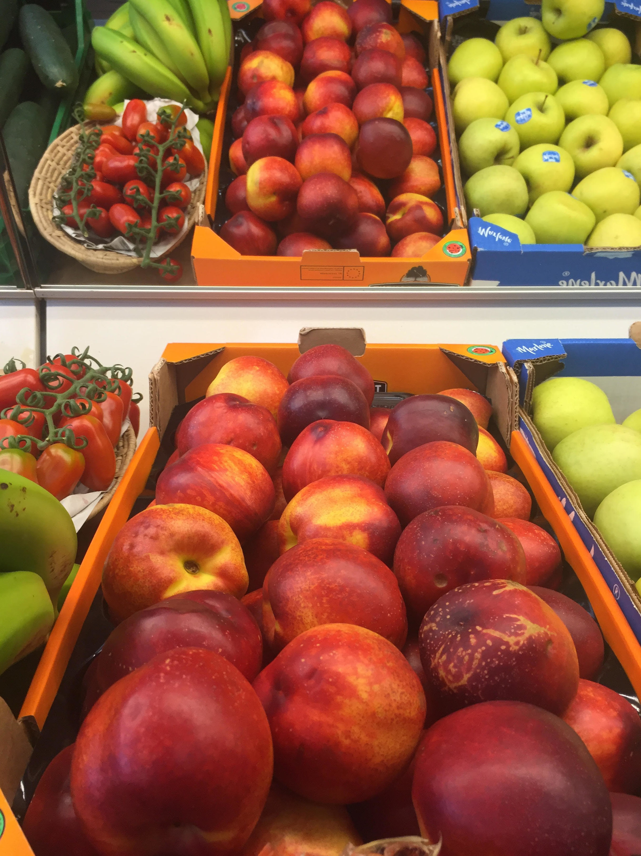 Si te gusta la fruta de esta temporada. Aprovecha las deliciosas nectarinas!
