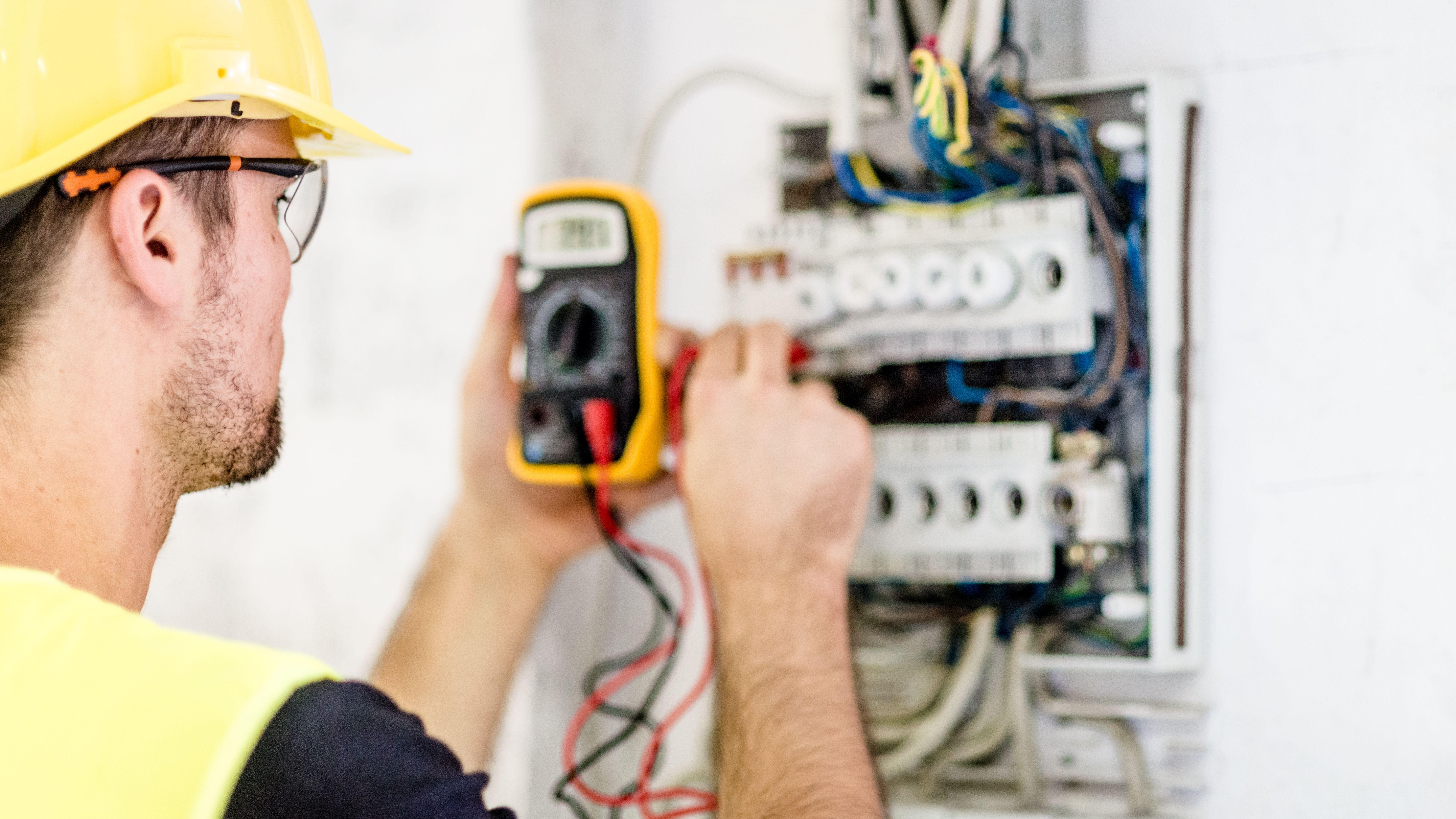 Mantenimientos eléctricos: Servicios de Dimont Electricidad