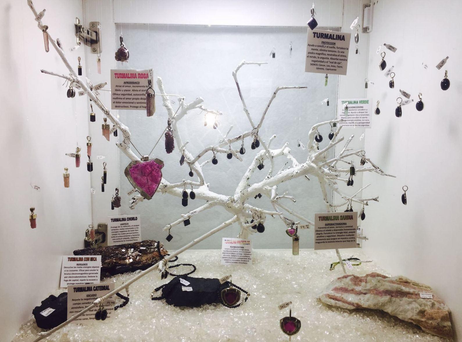 Turmalinas sandías, negras, rosas, verdes y multicolor: Joyas con propiedades curativas y esotéricas