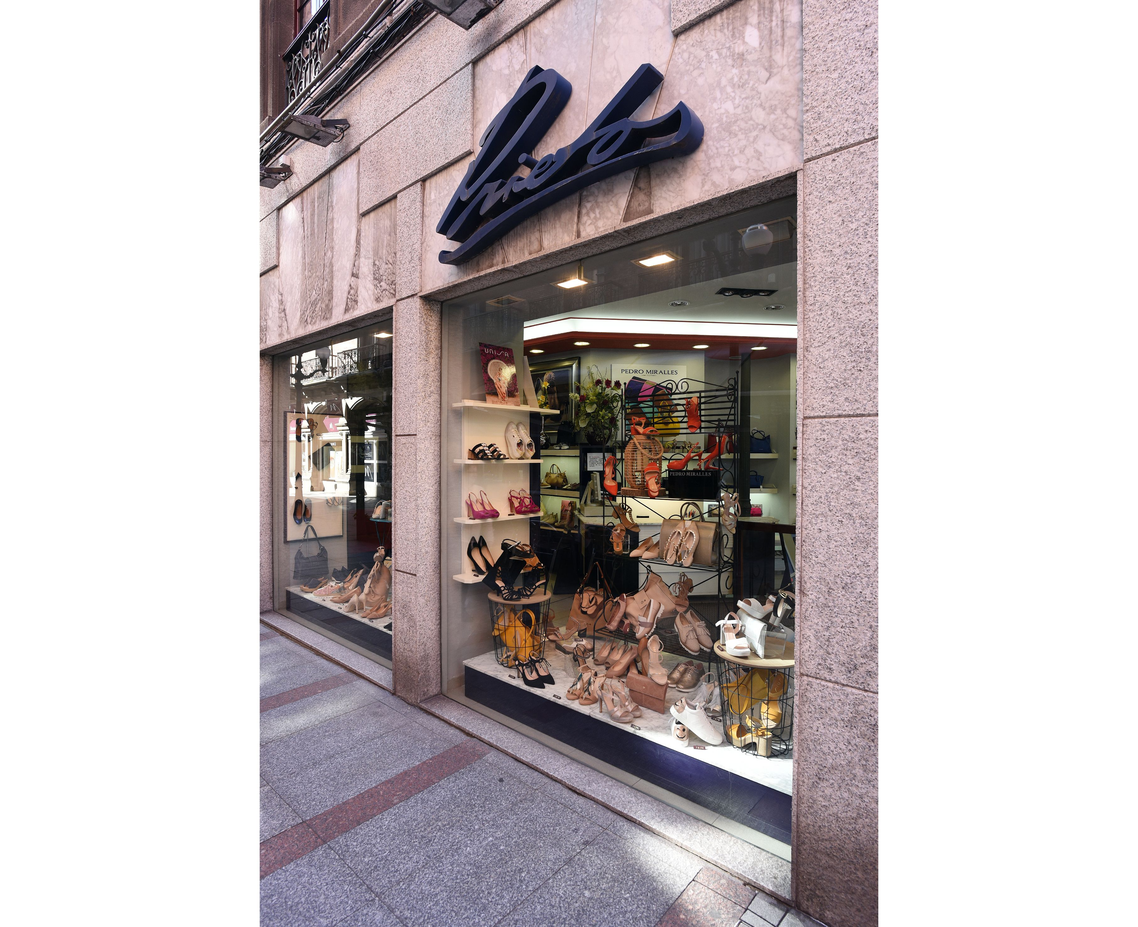 Calzados Piretos, Gijón