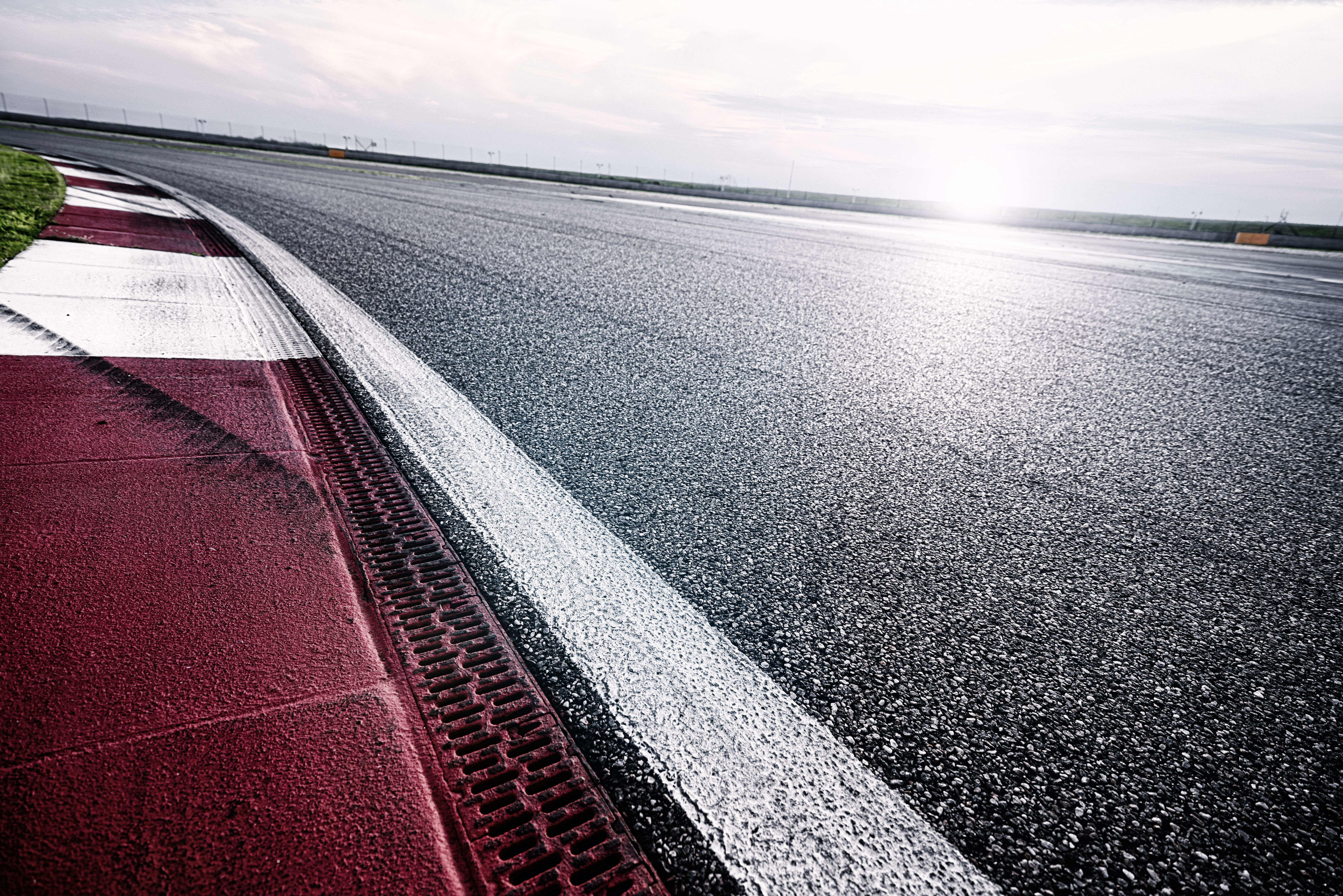 Regalo conducir coche circuito en Madrid Centro