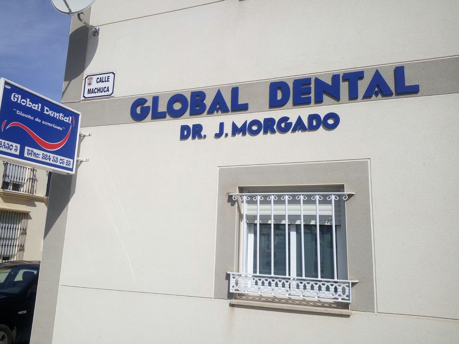 Fachada de la clínica dental