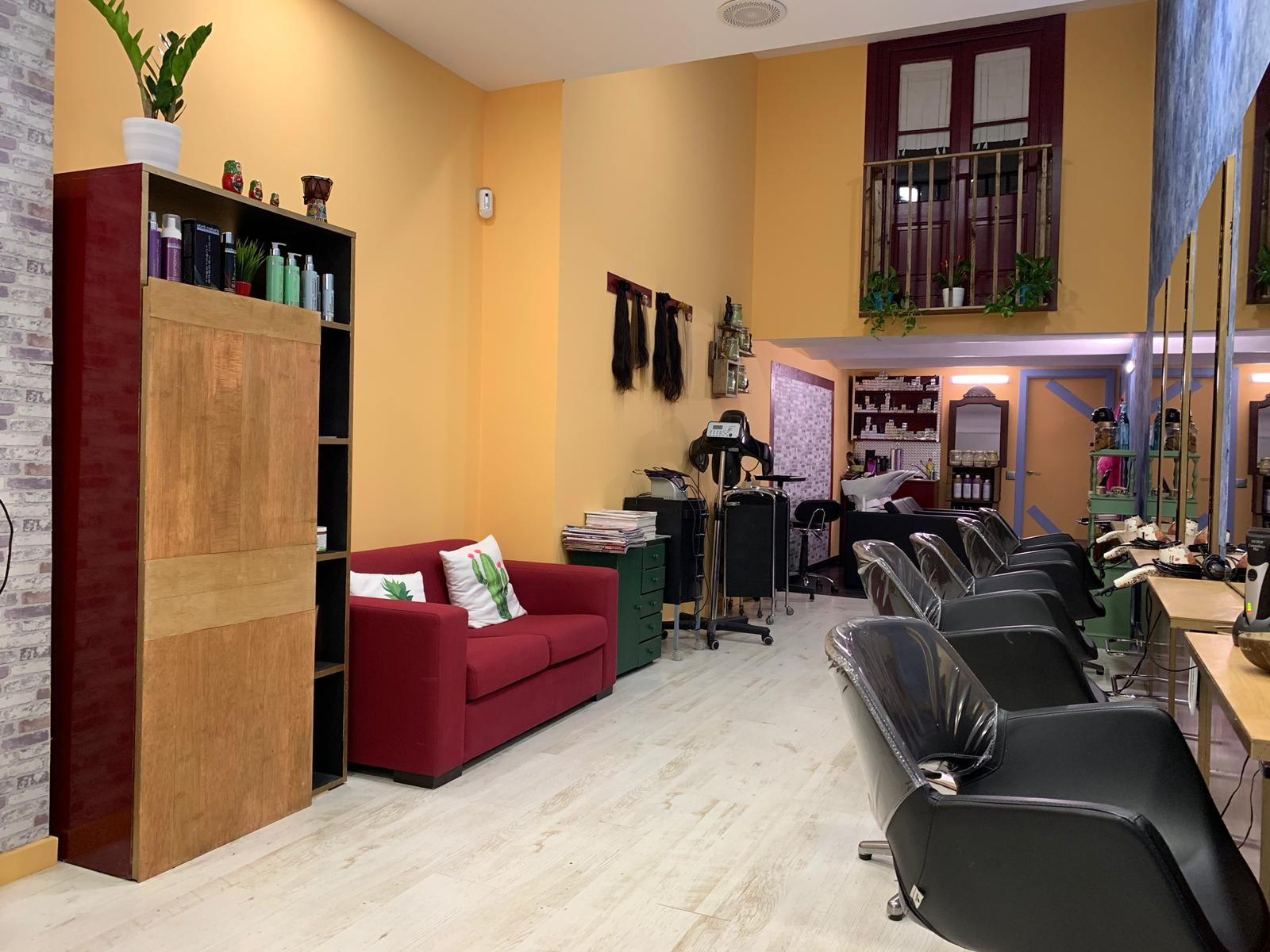 Foto 8 de Salón de belleza y centro de peluquería en Barcelona en Barcelona | MCB Salón de Belleza