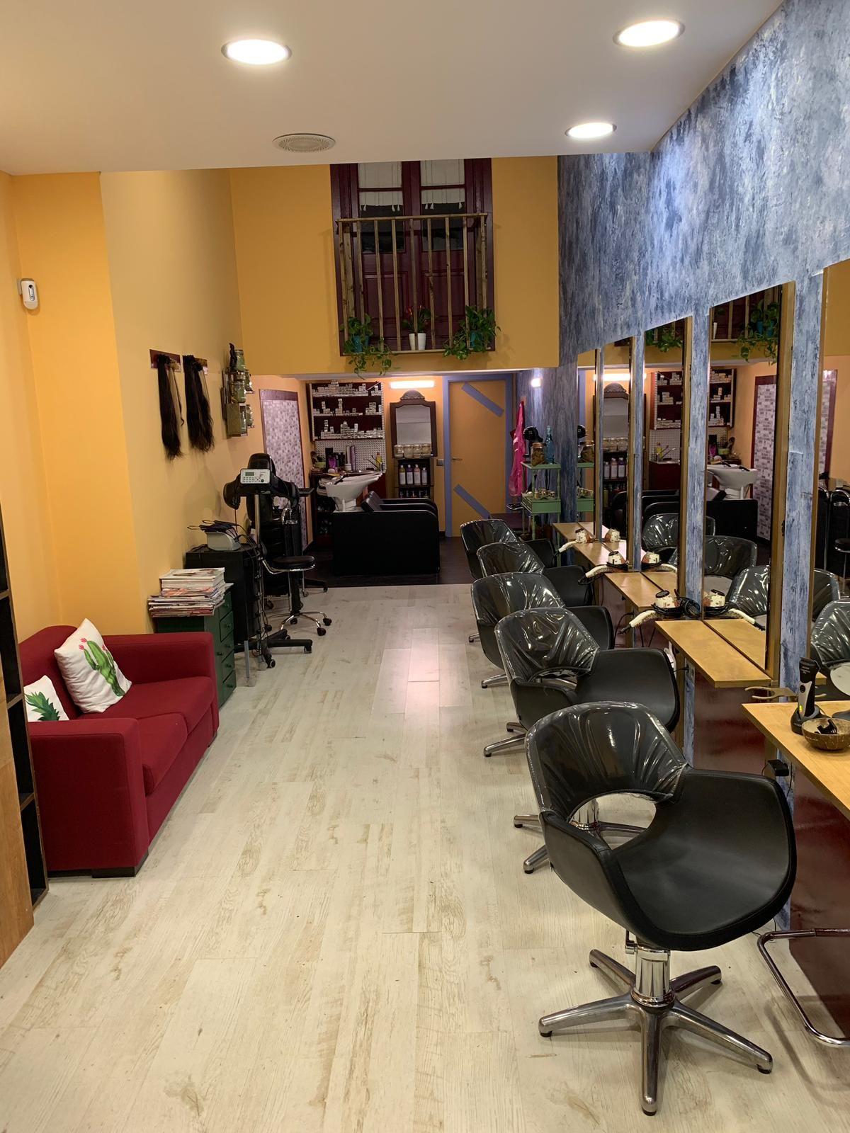 Foto 12 de Salón de belleza y centro de peluquería en Barcelona en Barcelona | MCB Salón de Belleza