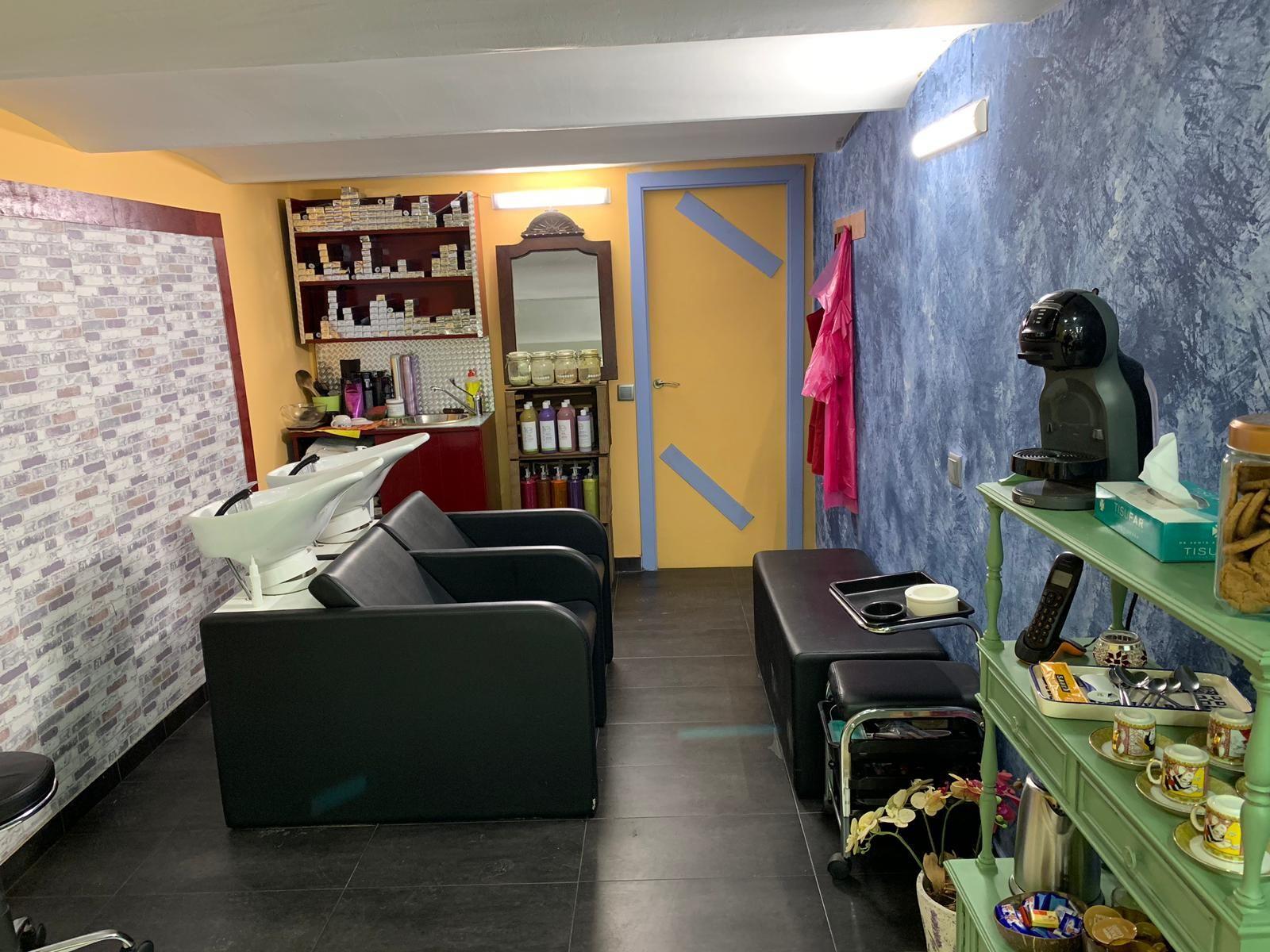Foto 5 de Salón de belleza y centro de peluquería en Barcelona en Barcelona   MCB Salón de Belleza