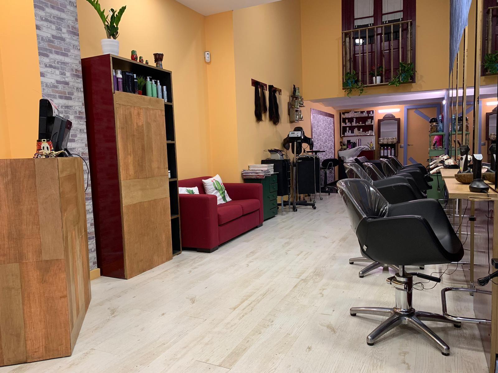 Foto 4 de Salón de belleza y centro de peluquería en Barcelona en Barcelona   MCB Salón de Belleza