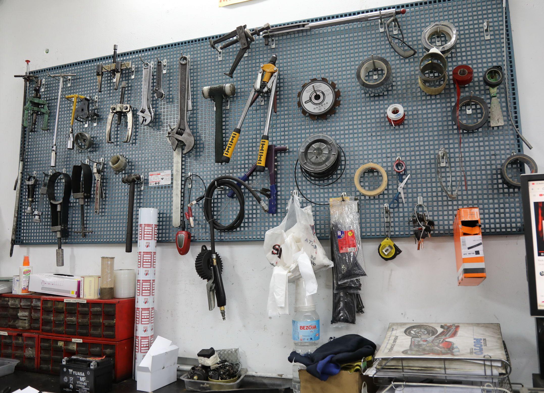 Herramientas para el arreglo de motos