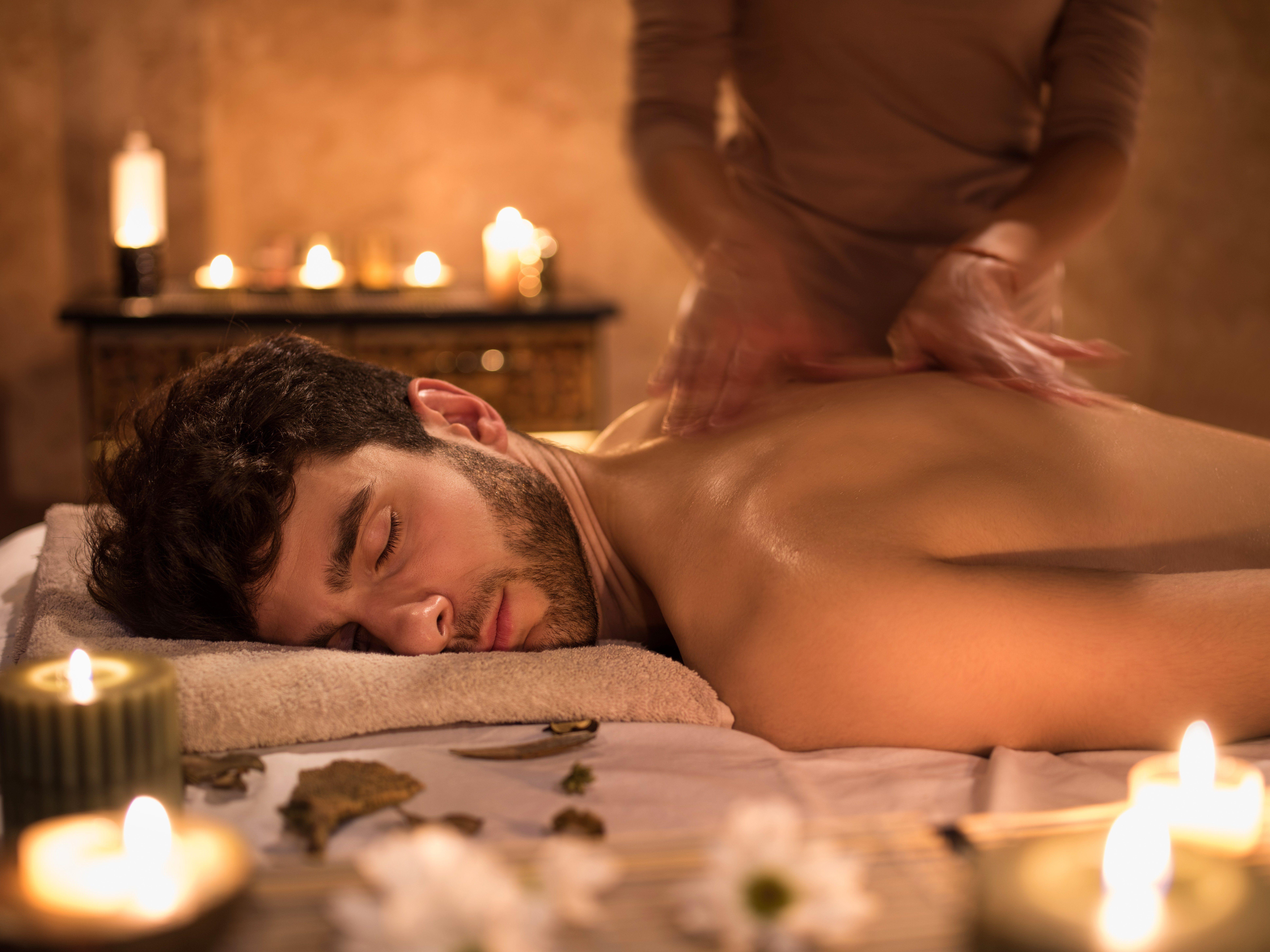 Masaje relajante: Servicios de Estética Cumbrera
