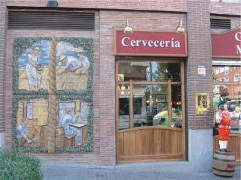 Foto 9 de Cocina tradicional en Madrid | Cervecería Restaurante Gambrinus Mirasierra