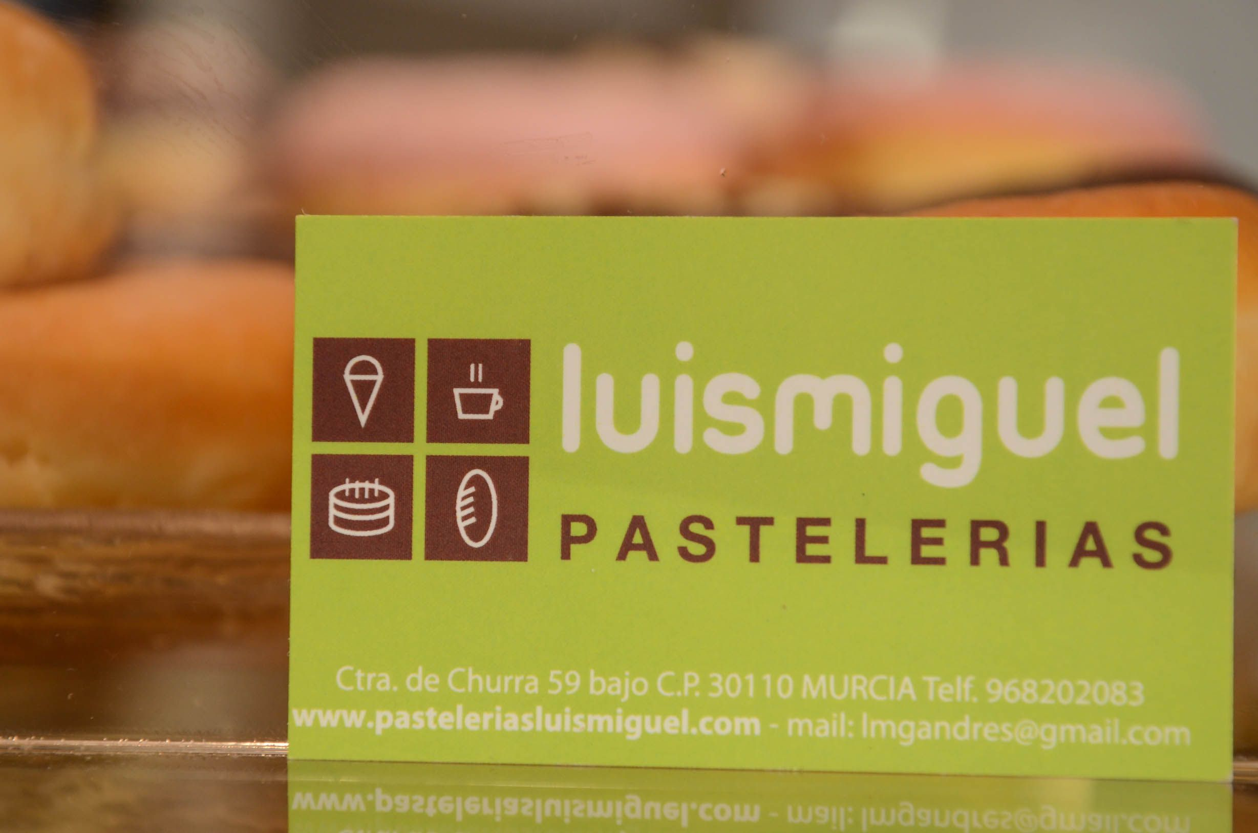 Foto 2 de Pastelerías en Murcia | Pastelerías Luis Miguel