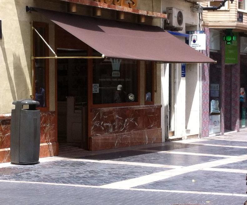 Foto 33 de carpas en murcia toldos gea for Toldos para comercios