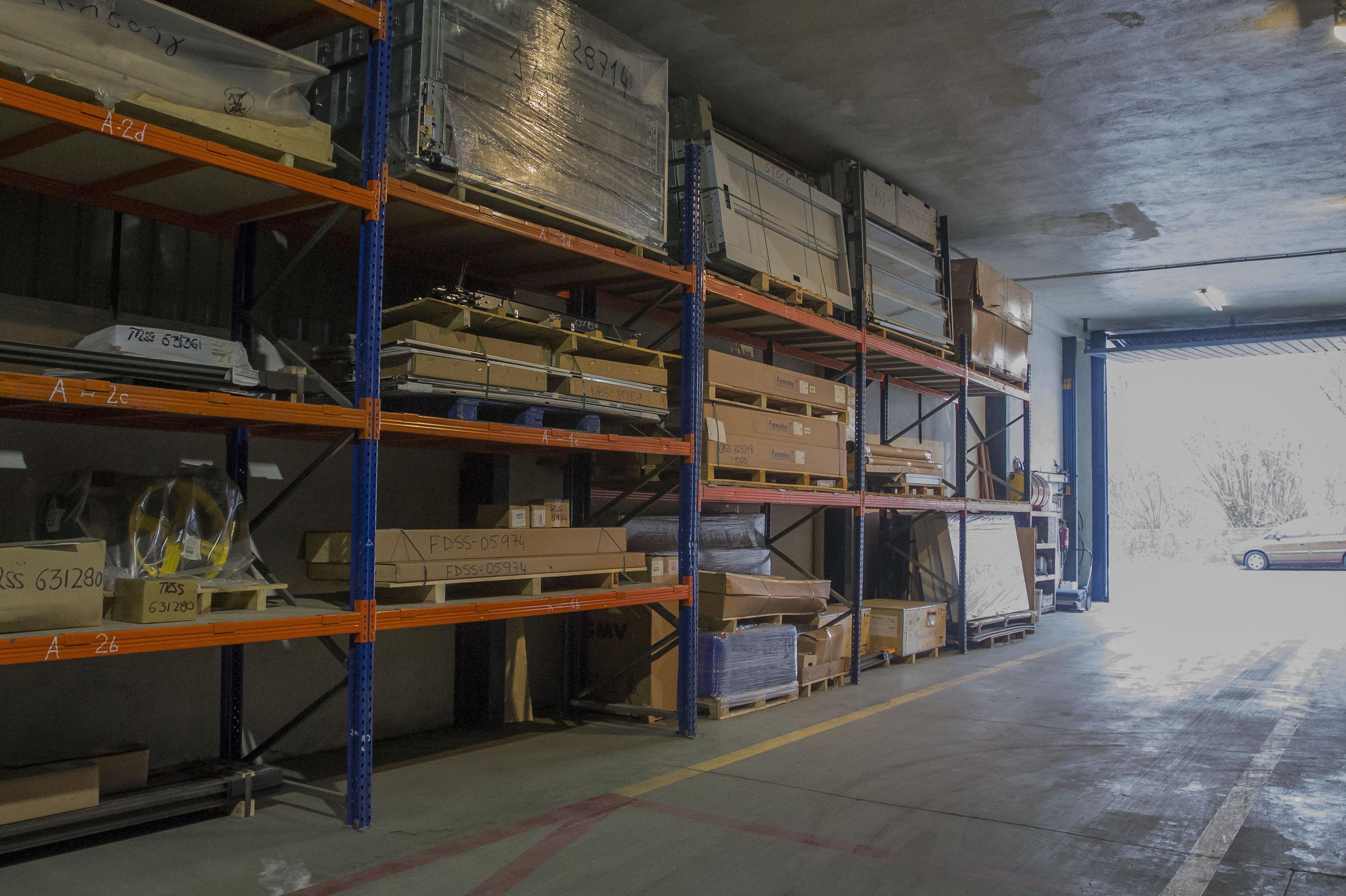 Almacén de productos y reparto