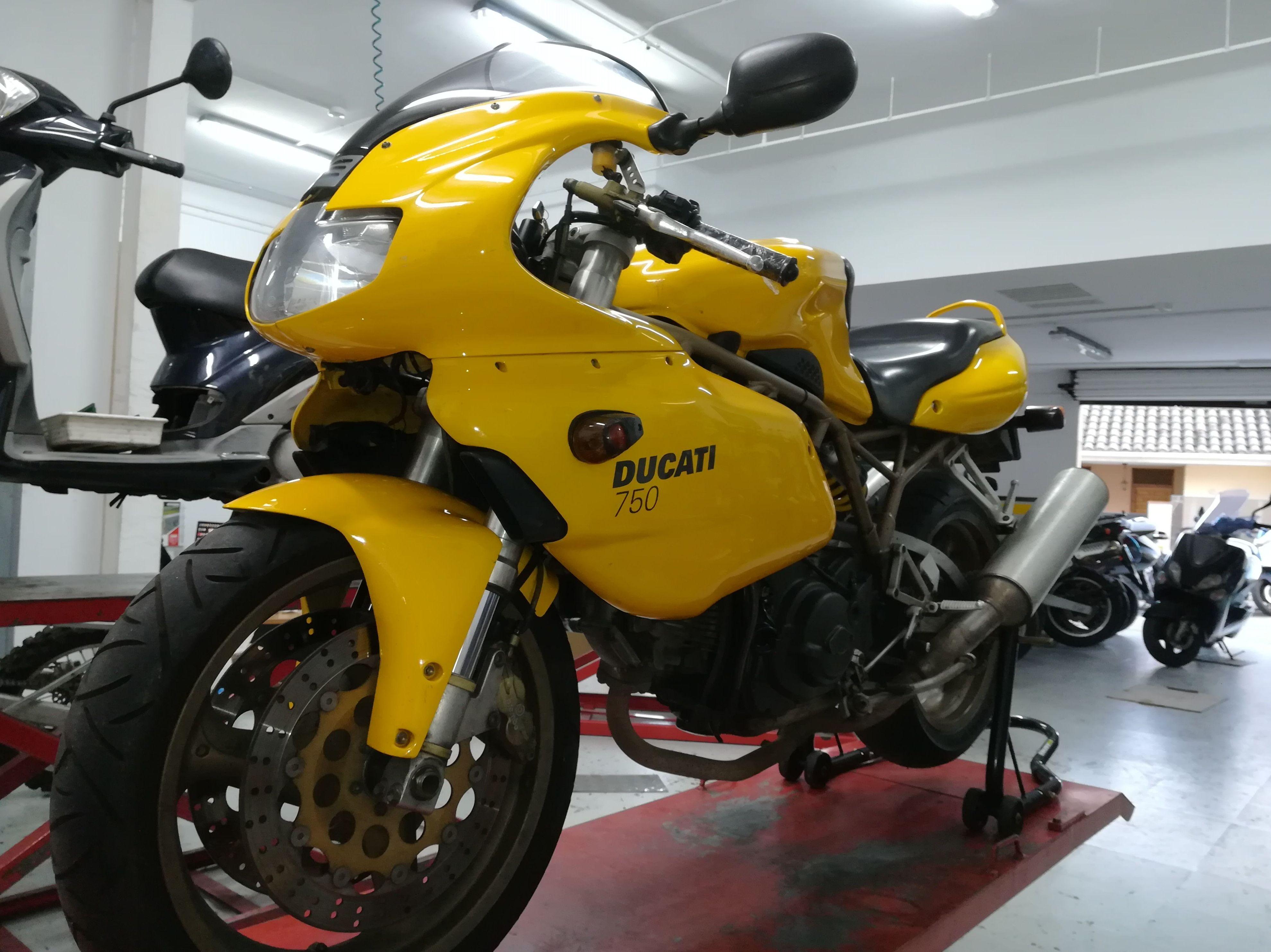 Foto 3 de Motos en Corbera de Llobregat | Isracing Motos