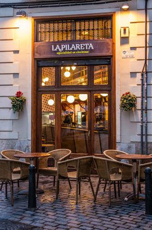 Bar de tapas con terraza en Valencia