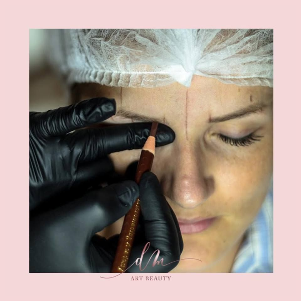 Microblading y micropigmentación de cejas en Barcelona