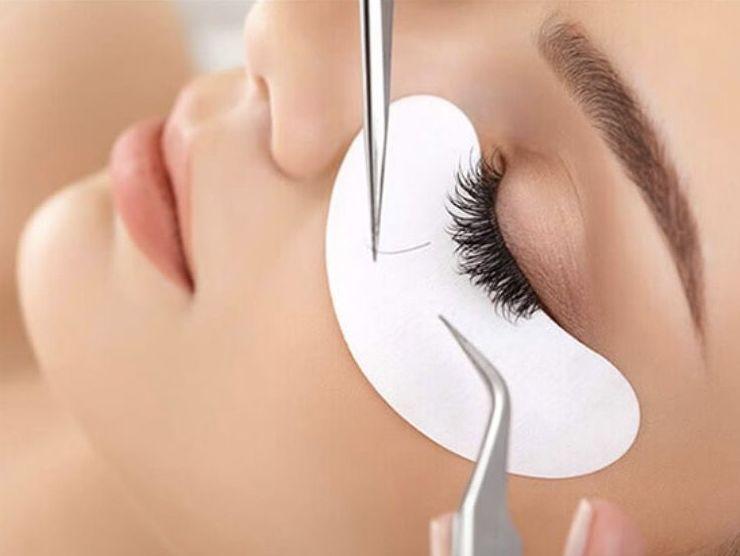 Extensión de pestaña pelo a pelo: Servicios de Centro de Estética Alejandra
