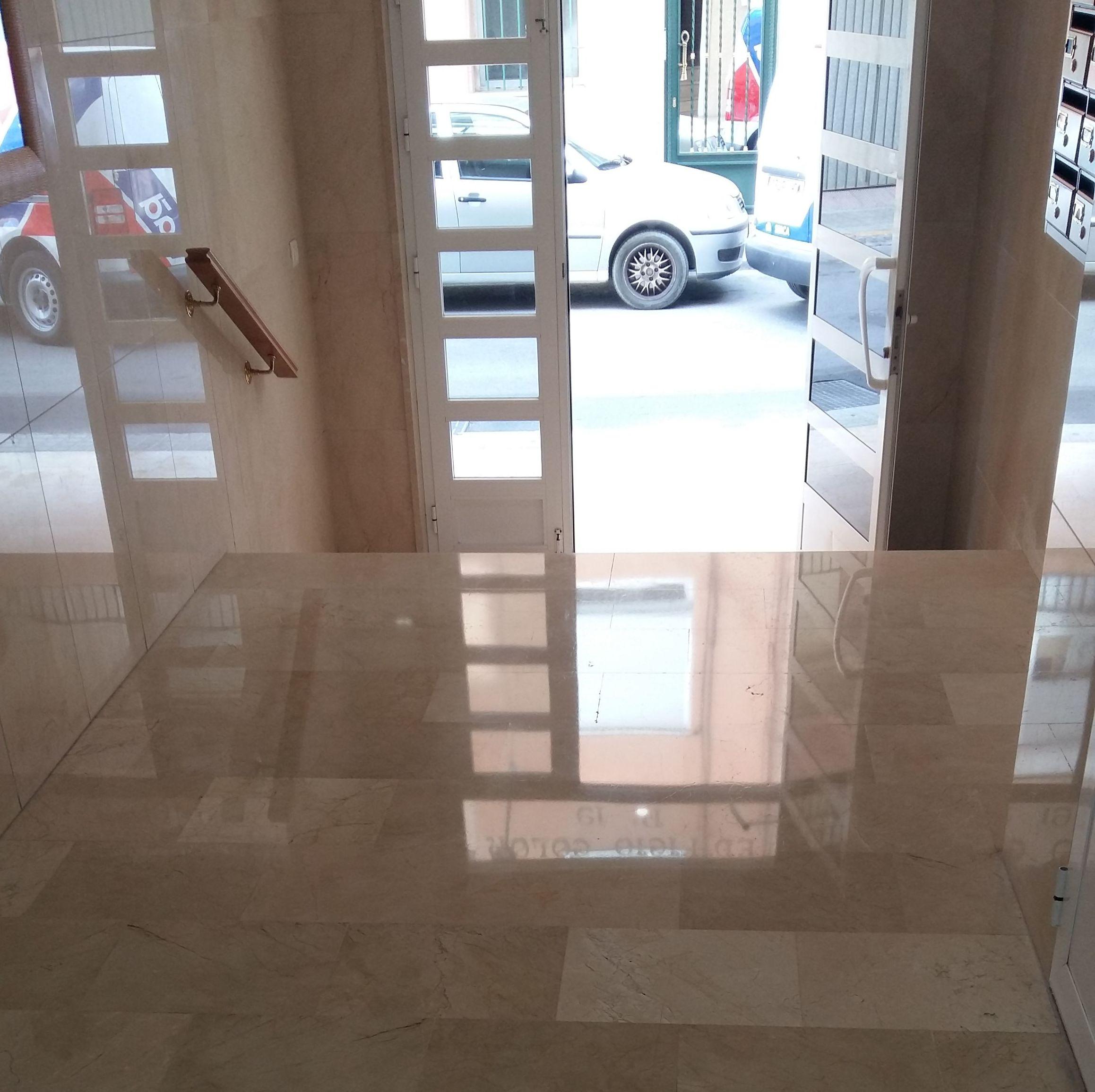 Cristalizado de marmol crema marfil : Servicios  de Pulidos Egea
