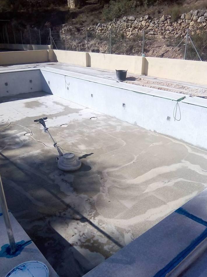 Rehabilitación de fondos de piscinas