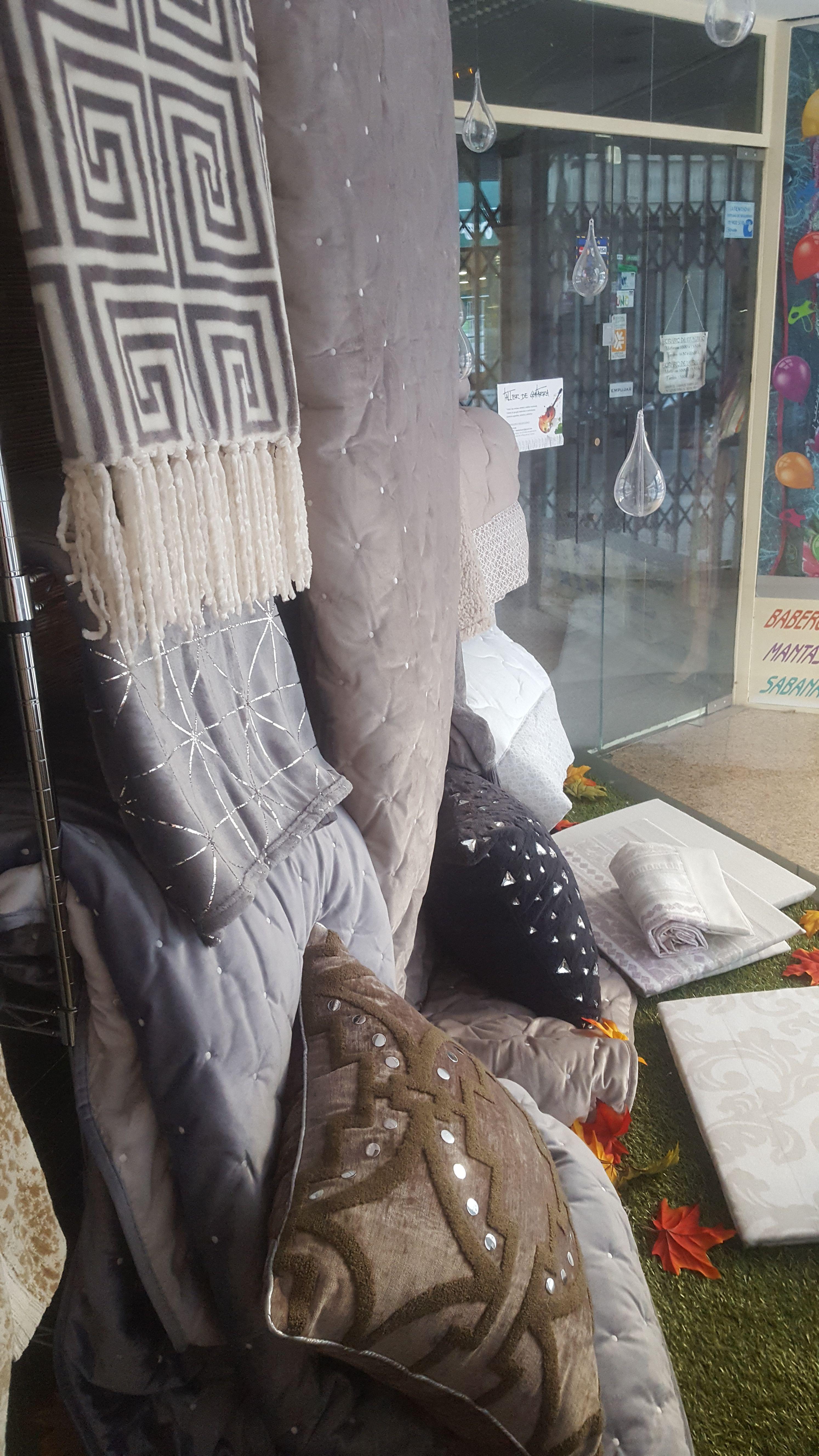 Colchas: Textil para hogar de El Portugués Textil