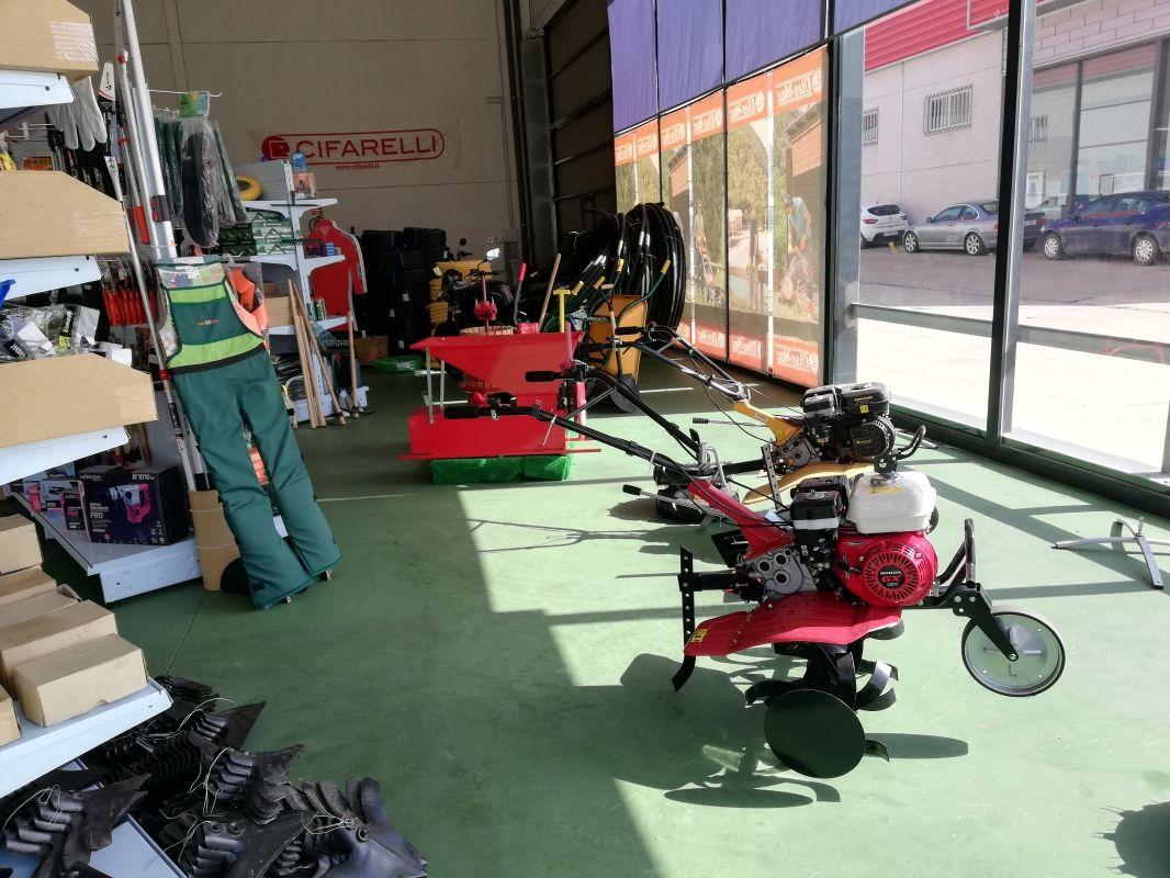 Máquinas para agricultura en Zafra