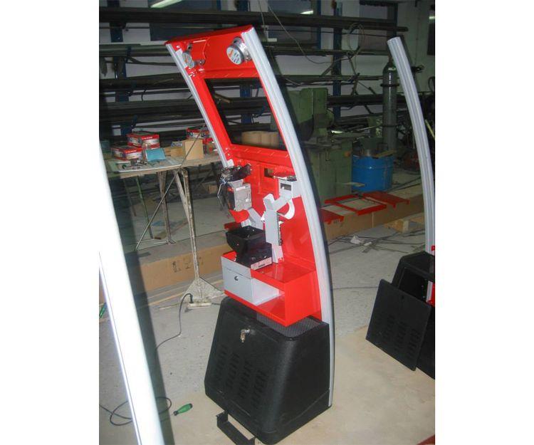 Máquina recreativa en fase de montar