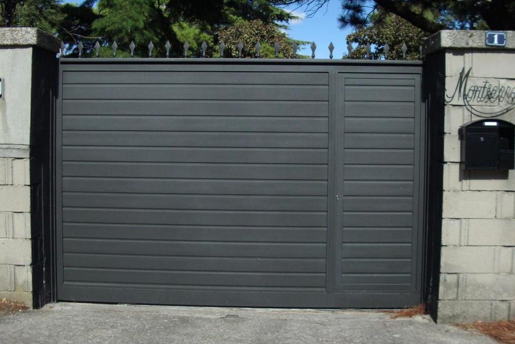 Puertas correderas productos de puertas autom ticas aucer s l - Puertas correderas de garaje ...