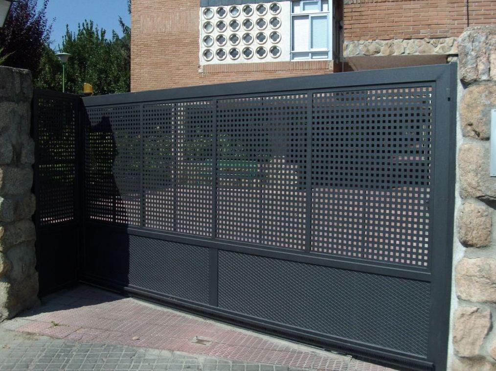 Puertas correderas productos de puertas autom ticas aucer - Puerta de lamas ...