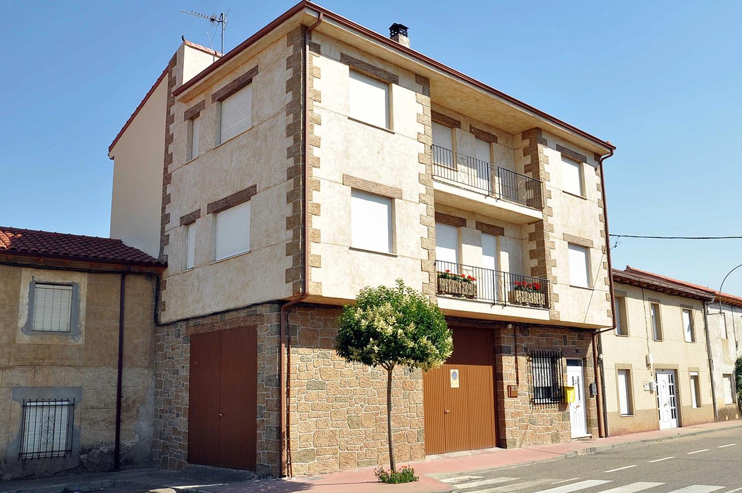 Revestimiento de fachada en Castrocalbón, León