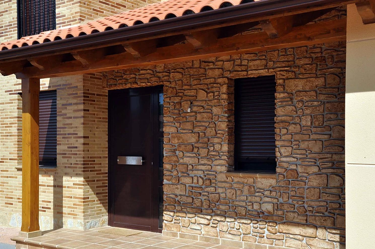 Revestimiento de fachada (después) en Alija del Infantado, León