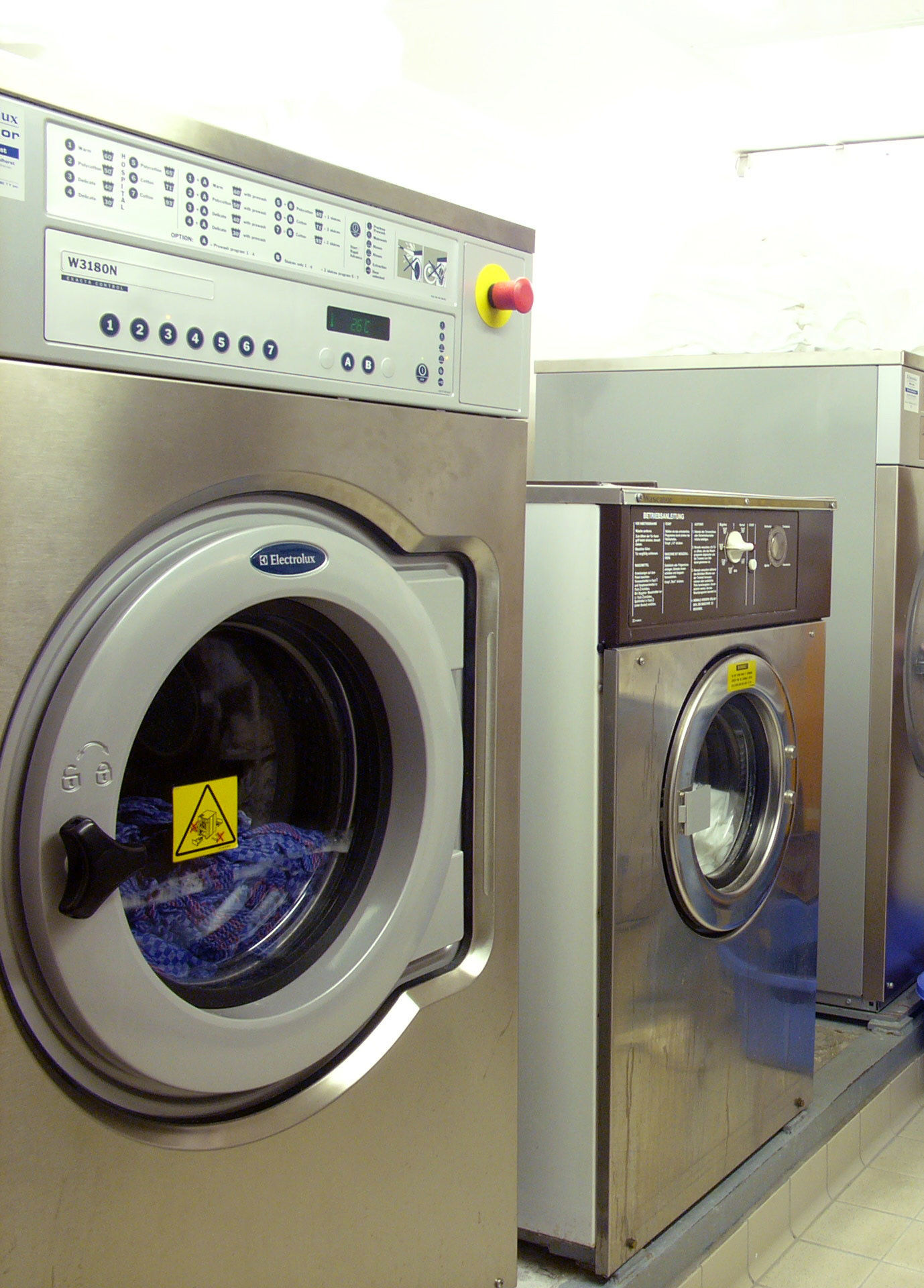 Servicio profesionales: Productos y servicios de Tintorería Lavandería RUBI