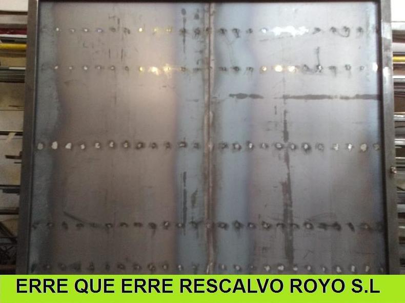 PUERTA DE HIERRO: Servicios de Exposición, Carpintería de aluminio- toldos-cerrajeria - reformas del hogar.