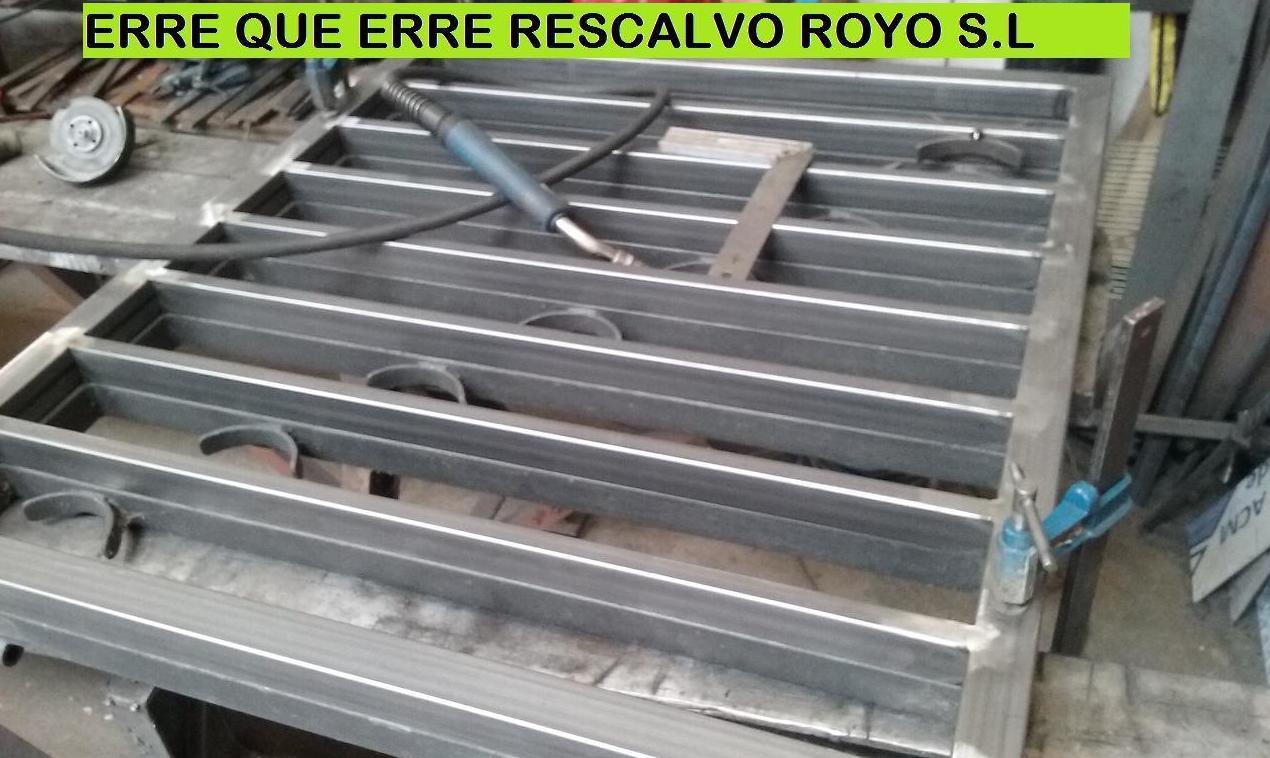 Foto 34 de Carpintería de aluminio, metálica y PVC en  | Exposición, Carpintería de aluminio- toldos-cerrajeria - reformas del hogar.