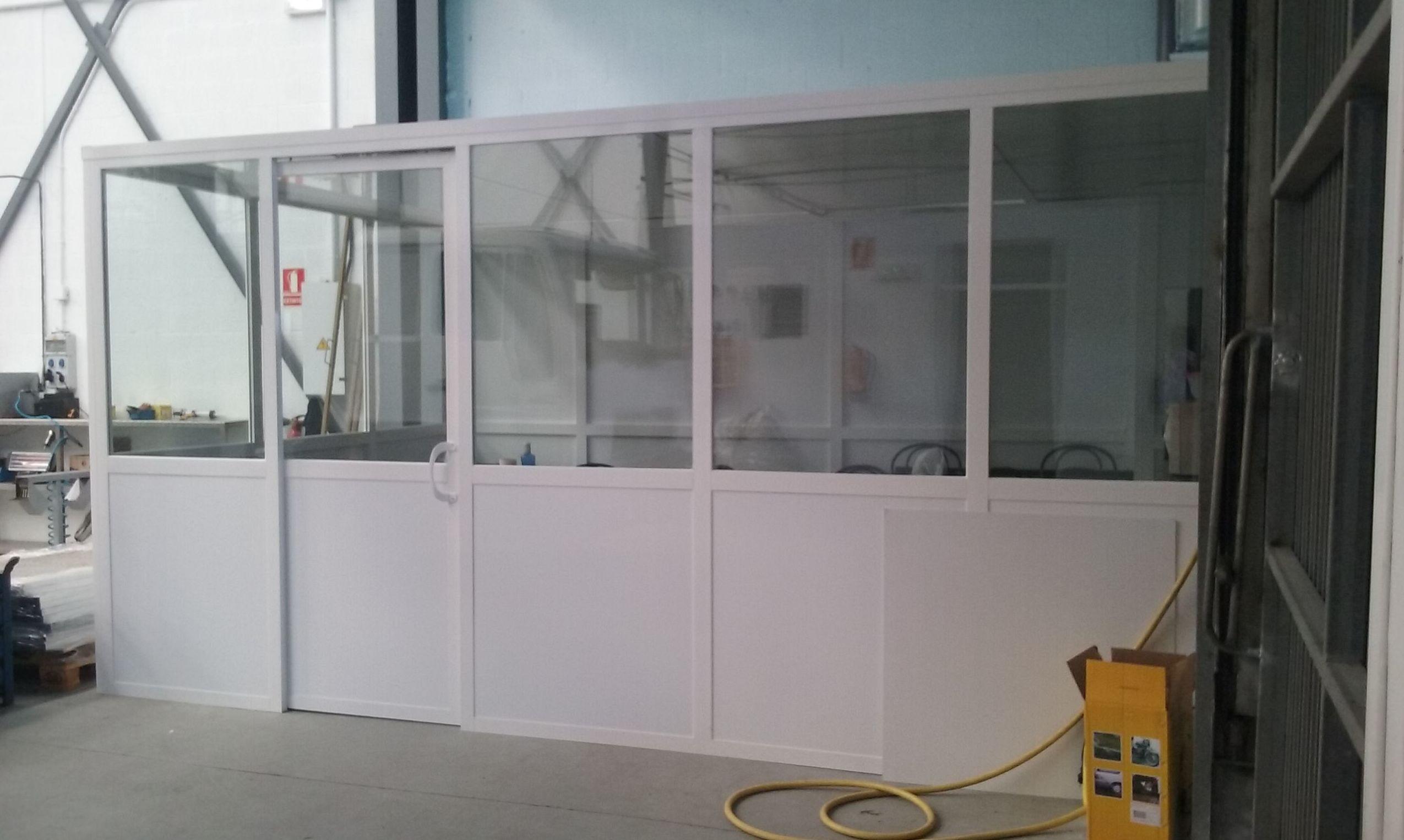TIPOS DE CERRAMIENTOS EN ALUMINIO Y VIDRIO: Servicios de Exposición, Carpintería de aluminio- toldos-cerrajeria - reformas del hogar.