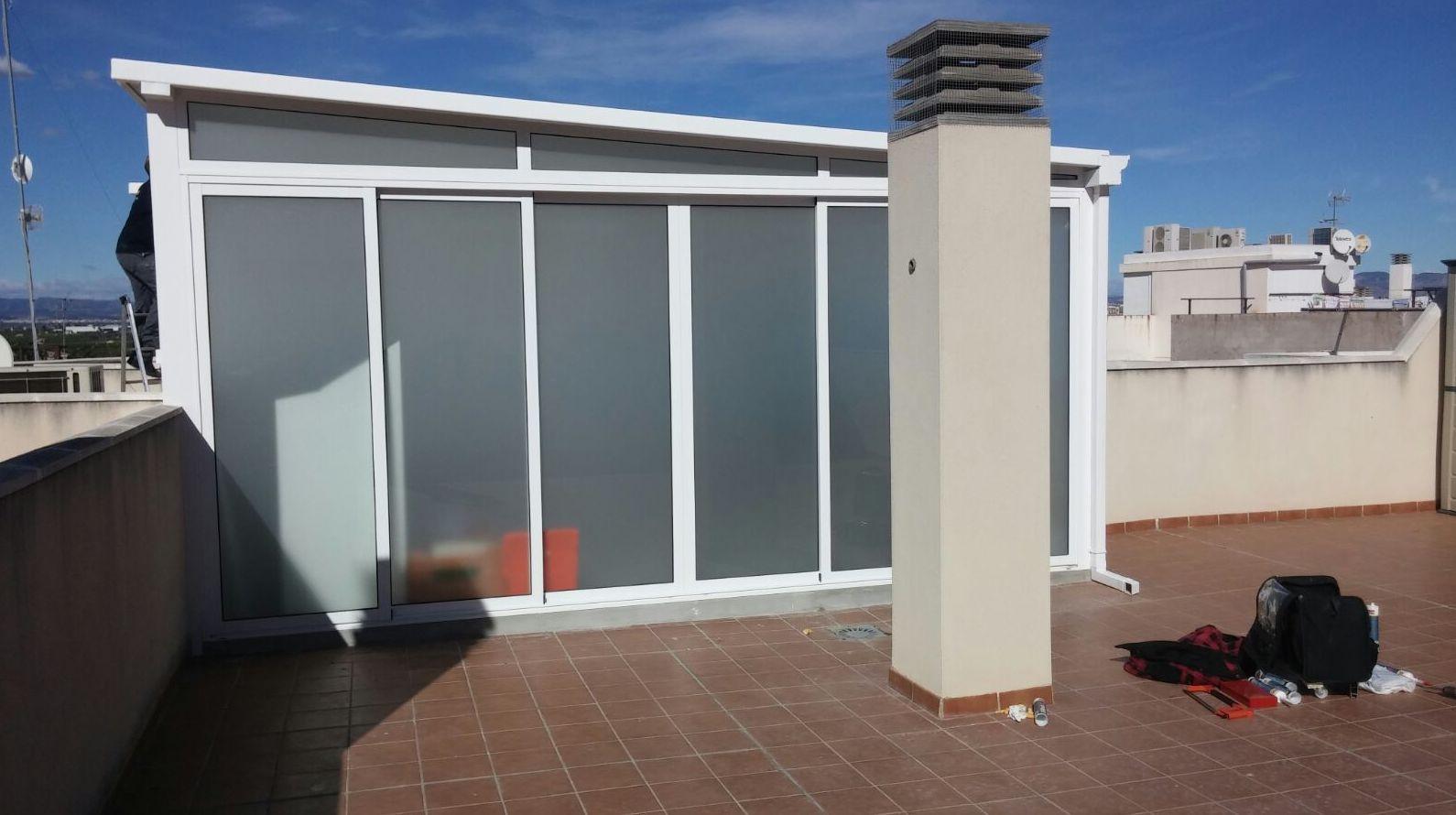 CERRAMIENTO: Servicios de Exposición, Carpintería de aluminio- toldos-cerrajeria - reformas del hogar.