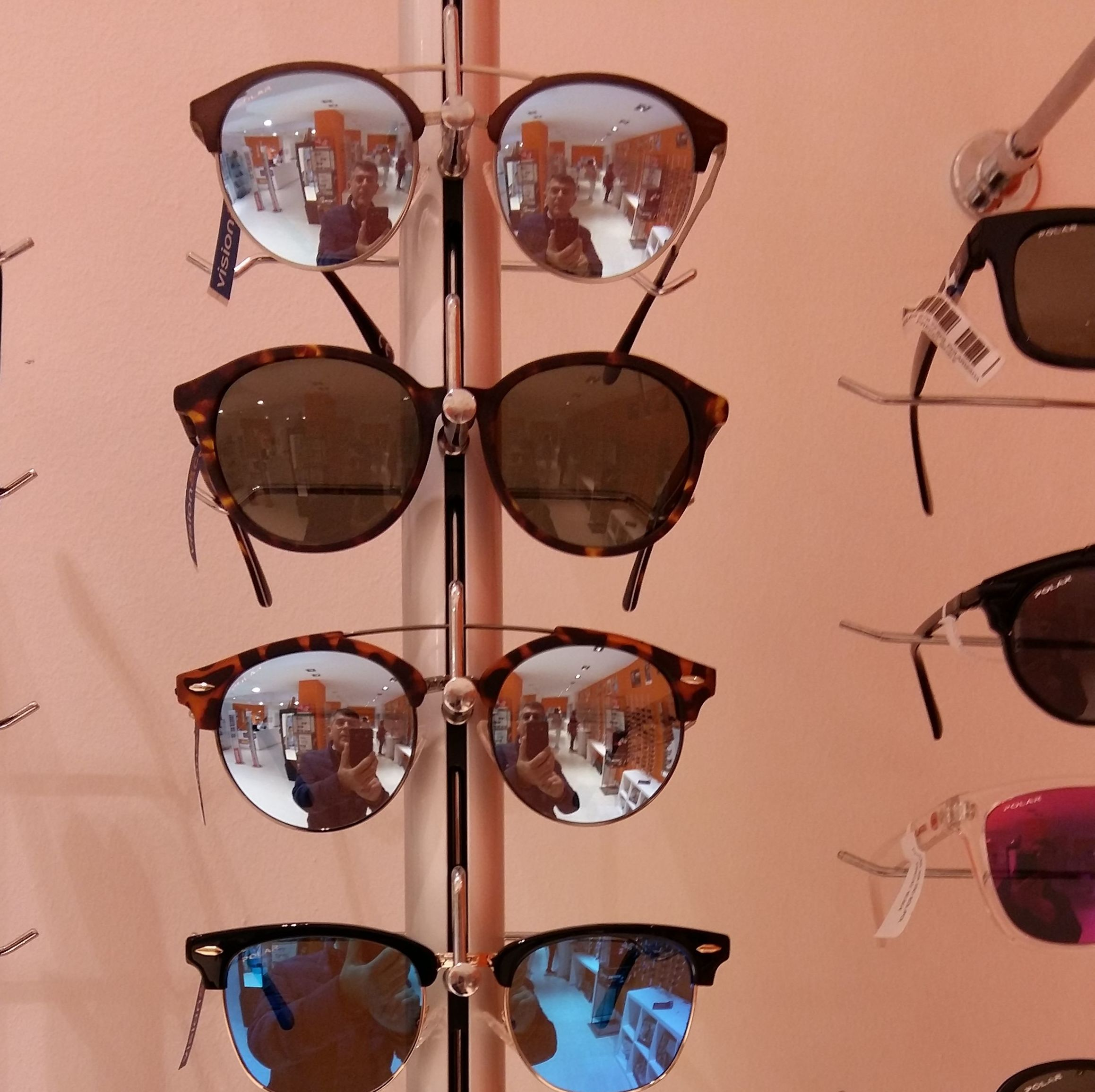 Monturas y gafas de sol: Servicios - Promociones de Visión & CO Huelva