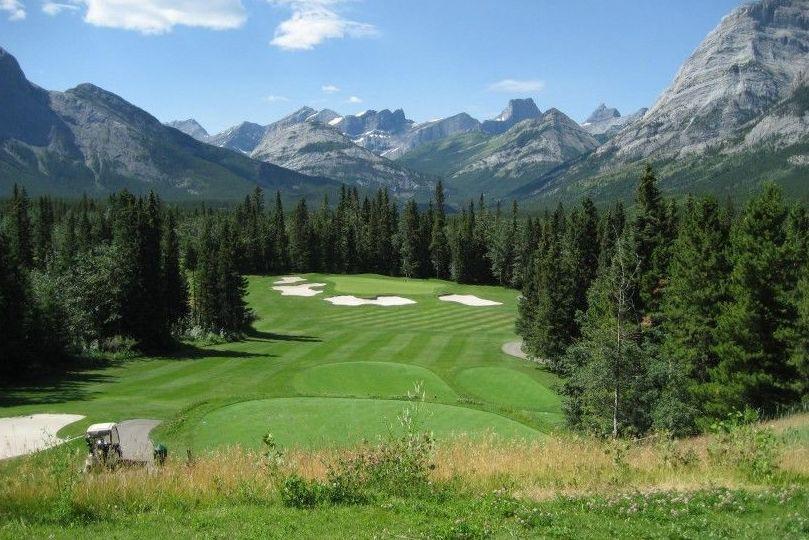 Agua tratada beneficiosa para los campos de golf