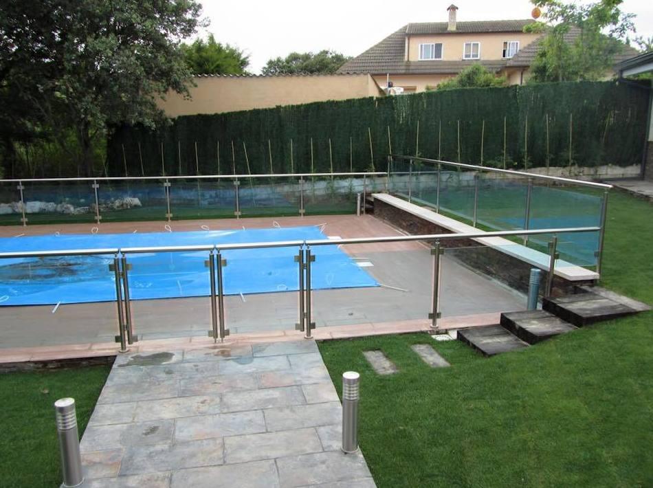 Vallado para piscinas en vidrio